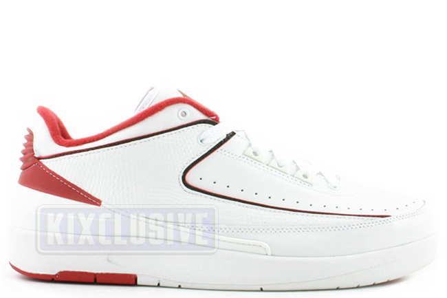 new concept 393bc 7fee1 Air Jordan 2 Low Chicago 2004 White Black Red