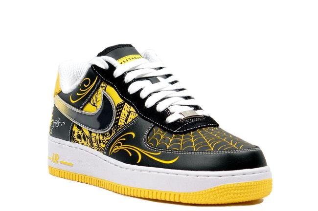 low priced 0267d cfc39 Air Force 1 Low Sup TZ LAF Livestrong Mr Cartoon