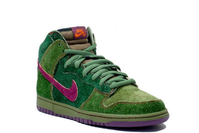 cheap for discount b96dd 83178 Nike Dunk High Premium SB Skunk