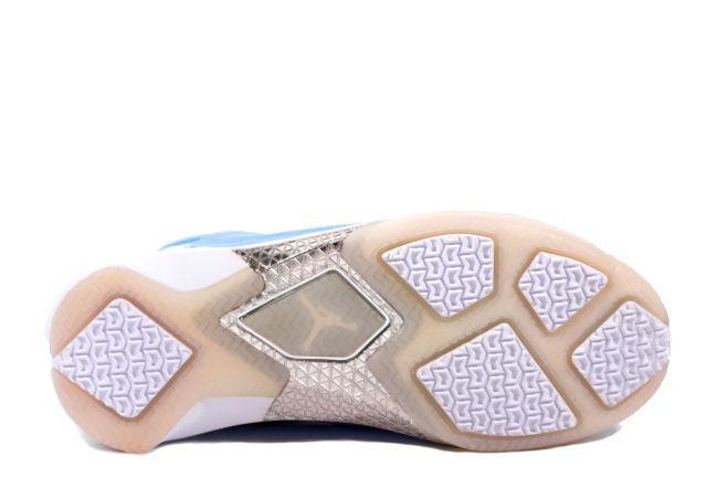 94b6aead759e47 Kixclusive - Air Jordan 22 Pantone 284 Collection
